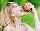 女性 りんご2.jpg