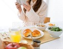 女性 朝食2.jpg